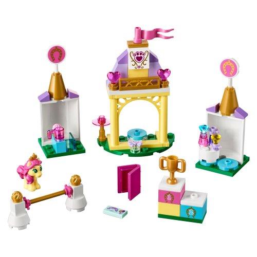 41144 Disney Princess Petiteova kraljevska staja